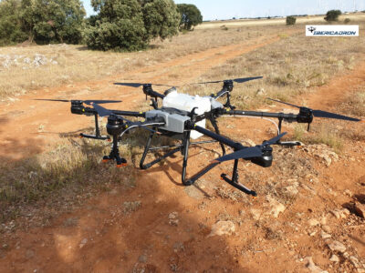 DJI Agras T30 dron para agricultura